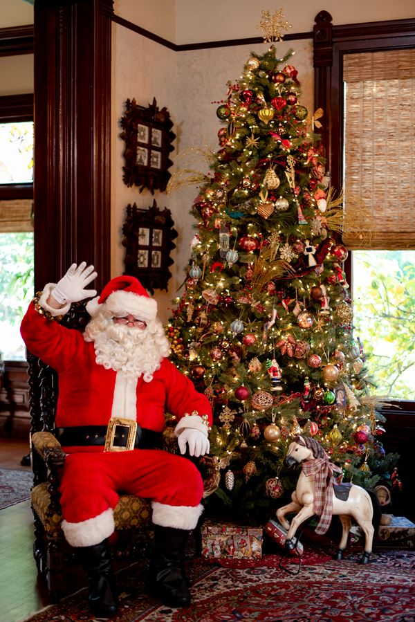 Ackerman Family Vineyards' Dickens Christmas with Santa
