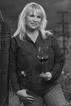 Winemaker,  Chelli Warnock-Webster